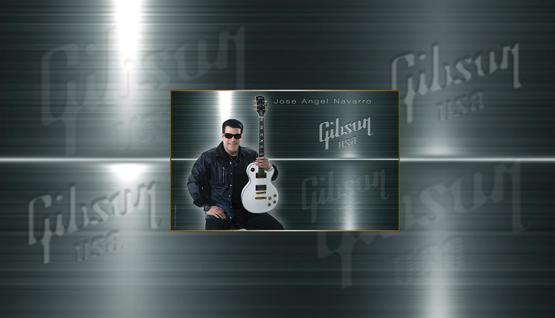 Jose Angel Navarro usando Gibson como una de sus marcas de guitarra preferidas